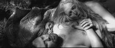 Голая грудь Елены Морозовой в фильме «Мешок без дна» фото #2
