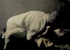 Елена Попова снялась голой в фильме «Самостоятельная жизнь» фото #10