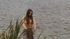 Голая грудь Елены Фесуненко в сериале «Смерть шпионам: Крым» фото #4