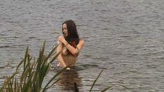Голая грудь Елены Фесуненко в сериале «Смерть шпионам: Крым» фото #5