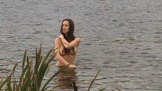 Голая грудь Елены Фесуненко в сериале «Смерть шпионам: Крым» фото #6
