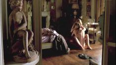 Жюли Гайе снялась голой в фильме «Влюблённая» фото #1