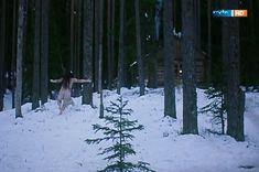 Полностью голая Ильяна Павлова в фильме «Сердце медведицы» фото #10