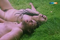 Полностью голая Ильяна Павлова в фильме «Сердце медведицы» фото #21