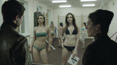 Ирина Вилкова снялась голой в фильме «Её звали Муму» фото #33