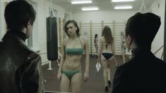 Ирина Вилкова снялась голой в фильме «Её звали Муму» фото #34