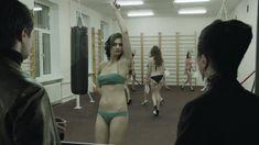 Ирина Вилкова снялась голой в фильме «Её звали Муму» фото #37