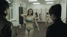Ирина Вилкова снялась голой в фильме «Её звали Муму» фото #38
