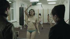 Ирина Вилкова снялась голой в фильме «Её звали Муму» фото #40