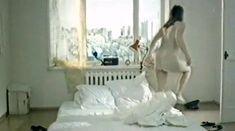 Полностью голая Ирина Коваленко в фильме «Чувствительный милиционер» фото #1