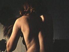 Ирина Купченко засветила грудь в фильме «Странная женщина» фото #3