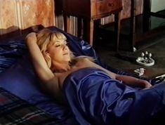 Ирина Селезнева снялась голой в фильме «Московские каникулы» фото #13