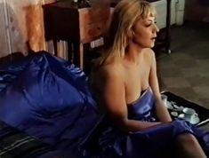 Ирина Селезнева снялась голой в фильме «Московские каникулы» фото #14
