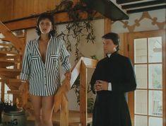 Ирина Шмелева засветила грудь в фильме «Ловушка для одинокого мужчины» фото #2