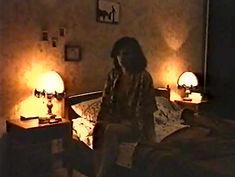 Голая грудь Ирины Шмелевой в фильме «Сказка на ночь» фото #1