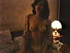 Голая грудь Ирины Шмелевой в фильме «Сказка на ночь» фото #4