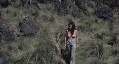 Исела Вега снялась голой в фильме «Принесите мне голову Альфредо Гарсиа» фото #6