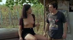 Ия Парулава показала голую грудь в фильме «Грузинский виноград» фото #13