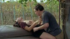 Ия Парулава показала голую грудь в фильме «Грузинский виноград» фото #14