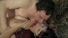 Ия Парулава показала голую грудь в фильме «Грузинский виноград» фото #18