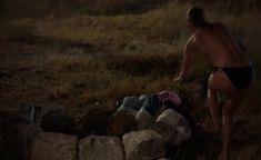 Голая грудь Катерины Шпицы в фильме «Крымский мост. Сделано с любовью!» фото #1