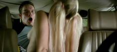 Голая грудь Катьяны Герц в фильме «Любовь к смерти обязательна» фото #3