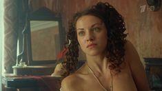 Ксения Разина засветила грудь в сериале «Вольная грамота» фото #3
