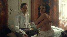 Ксения Разина засветила грудь в сериале «Вольная грамота» фото #7