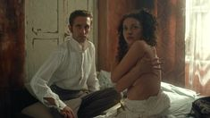 Ксения Разина засветила грудь в сериале «Вольная грамота» фото #8