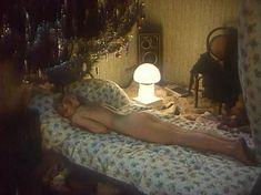 Голая грудь Ларисы Шахворостовой в фильме «Ребенок к ноябрю» фото #8