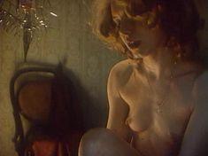 Голая грудь Ларисы Шахворостовой в фильме «Ребенок к ноябрю» фото #14