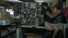 Полностью голая Леви Трэн в сериале «Бесстыжие» фото #11