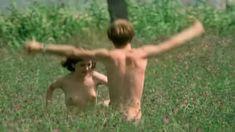 Полностью голая Леонора Фани в фильме «Приватные уроки» фото #3
