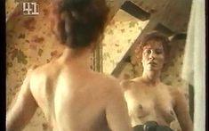 Линда Козловски снялась голой в фильме «Цорн» фото #5