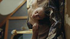 Любовь Аксенова показала голую грудь в сериале «Бывшие» фото #10