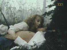 Голая грудь Марины Бакиной в фильме «Если бы знать...» фото #2