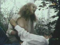 Голая грудь Марины Бакиной в фильме «Если бы знать...» фото #5