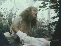 Голая грудь Марины Бакиной в фильме «Если бы знать...» фото #6