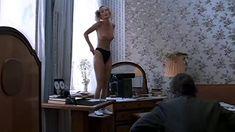 Полностью голая Мария Зорина в фильме «Кино про кино» фото #7
