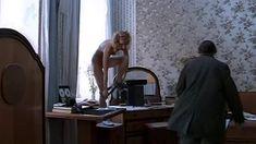 Полностью голая Мария Зорина в фильме «Кино про кино» фото #8