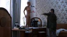 Полностью голая Мария Зорина в фильме «Кино про кино» фото #13
