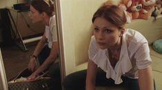 Мария Миронова засветила грудь в сериале «Тройная жизнь» фото #3