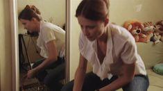 Мария Миронова засветила грудь в сериале «Тройная жизнь» фото #5