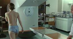 Настасья Кински показала голую грудь в фильме «Болезнь любви» фото #8