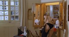 Настасья Кински показала голую грудь в фильме «Болезнь любви» фото #27