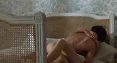 Настасья Кински показала голую грудь в фильме «Болезнь любви» фото #39