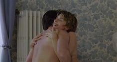 Настасья Кински показала голую грудь в фильме «Болезнь любви» фото #43