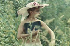 Наталья Воробьева показала голую грудь в сериале «Карусель» фото #5