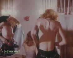 Голая грудь Натальи Кишовой в фильме «Чертовы куклы» фото #3