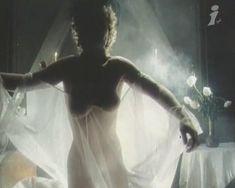 Наталья Сумская снялась голой в фильме «Ради семейного очага» фото #4